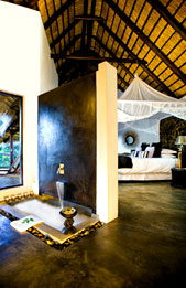 Water Suite,Bath,Pondoro Lodge,Balule Nature Reserve,Kruger National Park,Luxury accommodation